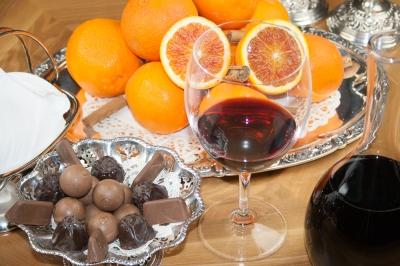 arance con vino e cioccolato